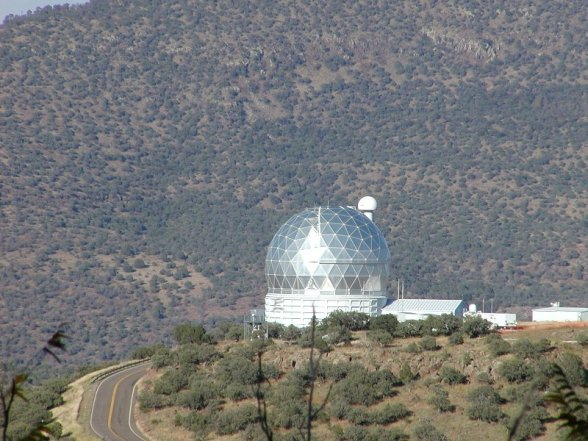 The Hobby-Eberly Telescope (HET) in western Texas. [Credit: moi]